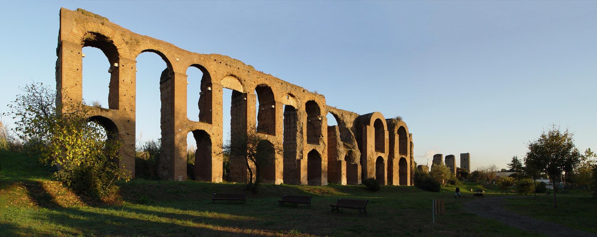 Acquedotto Acqua Marcia.Acquedotti Romani Fuori Porta Maggiore Al Tuscolano