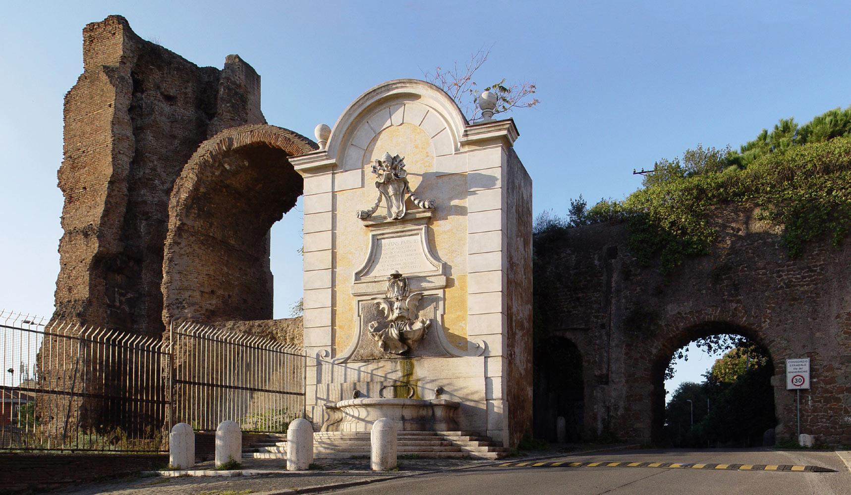 Acquedotti romani fuori porta maggiore al tuscolano - Palestra porta furba ...