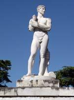 Stadio dei marmi: statua di Napoli