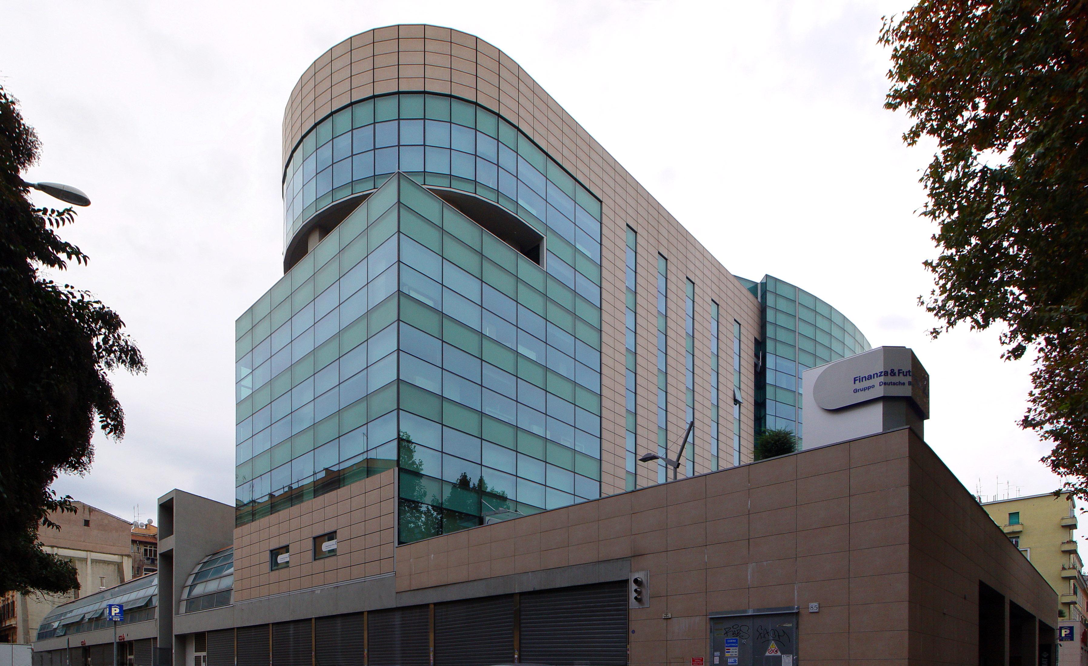 L 39 architettura contemporanea a roma for L architettura moderna